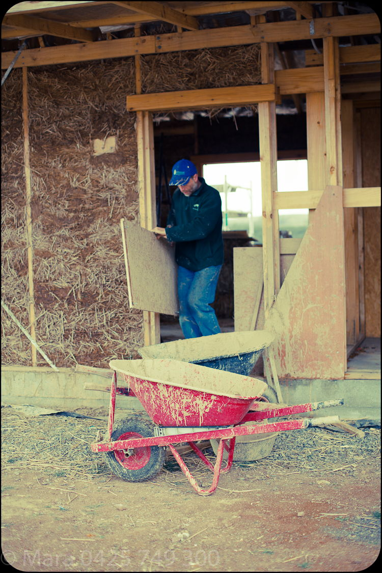 Ralf and plywood sheeting to create the light -earth form work.