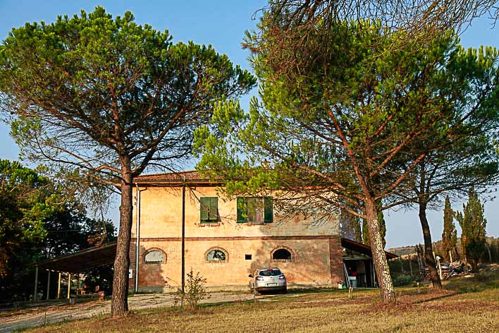A close up of our Italian WWOOFing Villa.