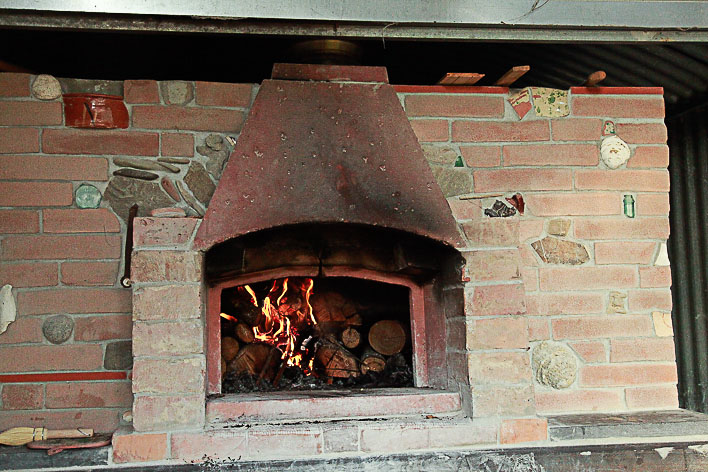 Pizza and bread oven.