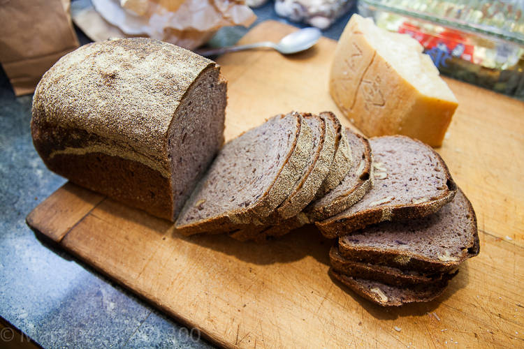 Bread and chestnuts (3 of 5)