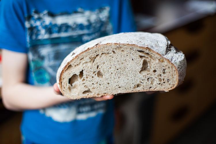 Bread wait - sourdough (1 of 4)